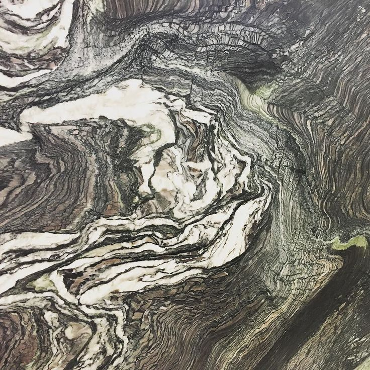 When nature paints expect some drama! Check out our Cipollino Ondulato Polished slab. #interiordesign #kitchendesign #kitchendecor #architecture #homerenovations #homedecor #marble #bathroom #bathdesign #marblesystems by marblesystems