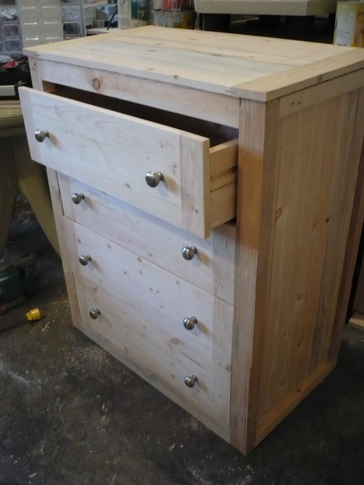 18 best images about pallet drawers on pinterest for How to make a pallet bed with drawers