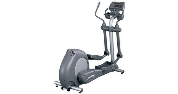 Life Fitness Club Series Elliptical Cross Trainer