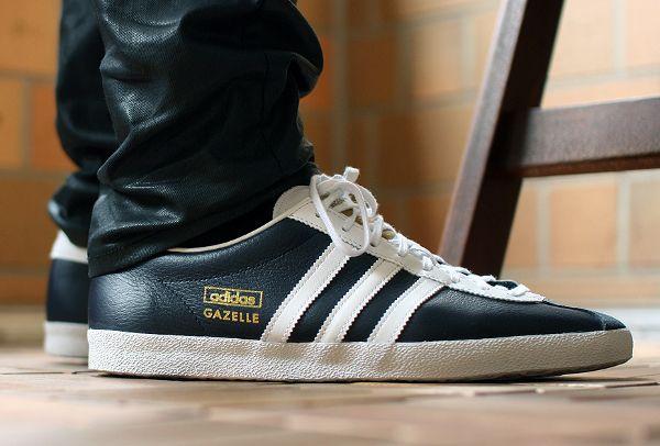Une Adidas Gazelle Originals OG en cuir noir | Basket cuir homme ...