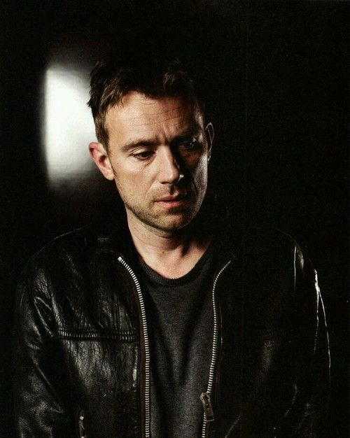 17 Best images about Damon Albarn on Pinterest | Blue ...