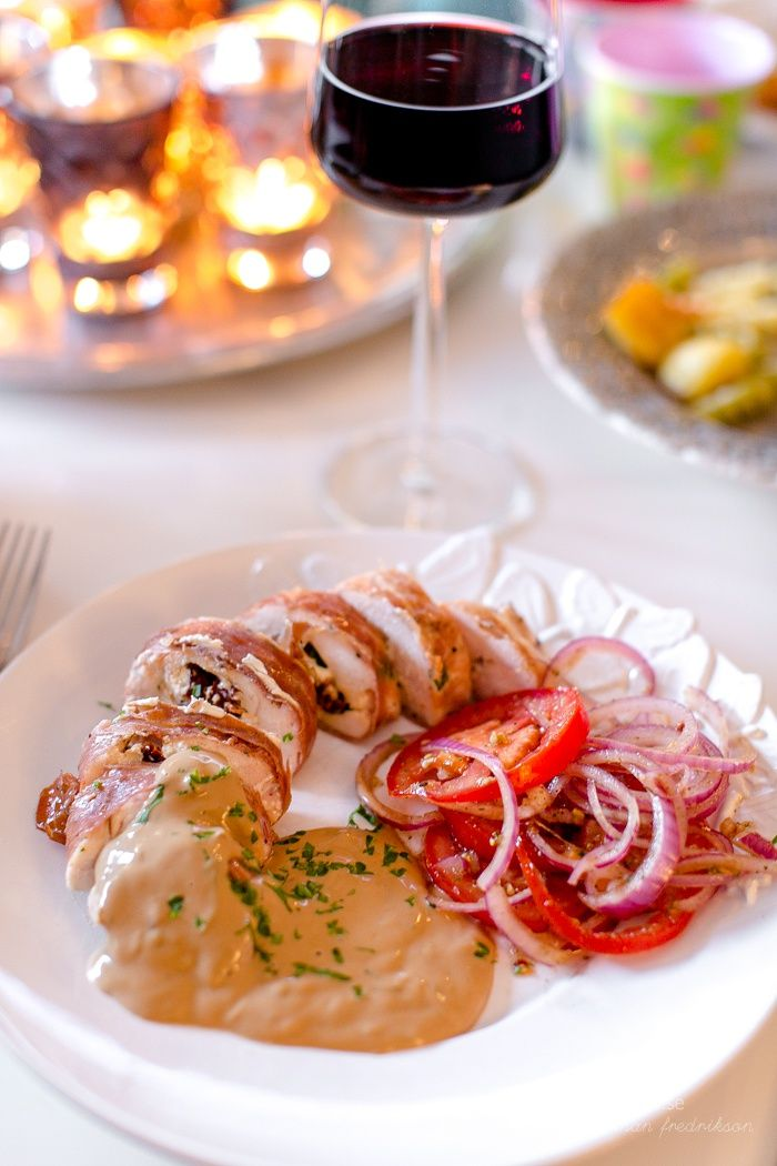 Parmalindad kycklingfilé med chevre och rosmarinsås