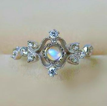 Vintage Princess Crown Moonstone Promise Ring.. I want this ring in my lifeeeee jewelry for women http://amzn.to/2jxzGM6