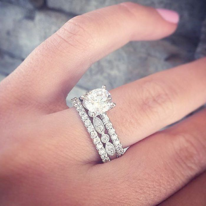 Solitaire Engagement Rings Pinterest Independent Jewelry Store Near Me Su Unique Engagement Rings Halo Stackable Rings Wedding Beautiful Engagement Rings Halo