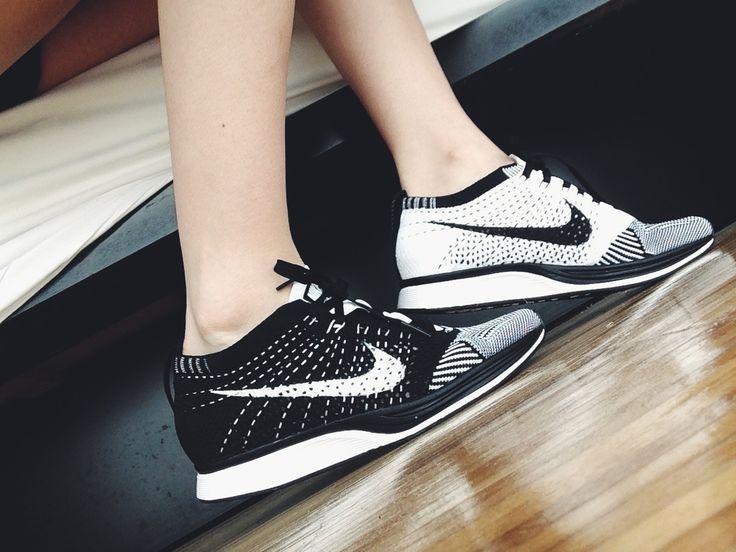 Nike Flyknit Racer Para Mujer En Blanco Y Negro