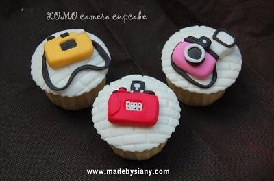 lomo camera cupcake 005