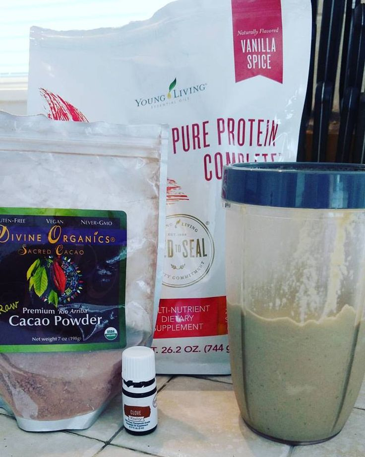 Yummy lunch today! 2 scoops Vanilla Spice Pure Protein Shake, handful of spinach, half a banana, tsp of cocoa powder, a drop of Clove Vitality oil! What are you having for lunch today? #healthylunch #healthyeating
