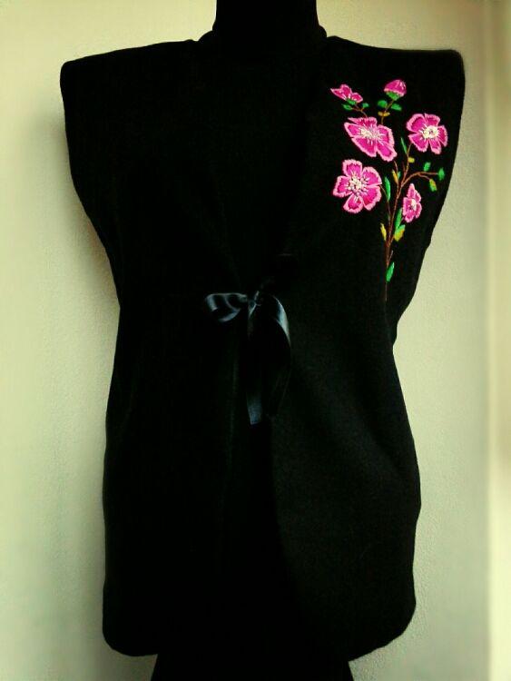 Vestuta Caterine (170 LEI la Caterine.breslo.ro)