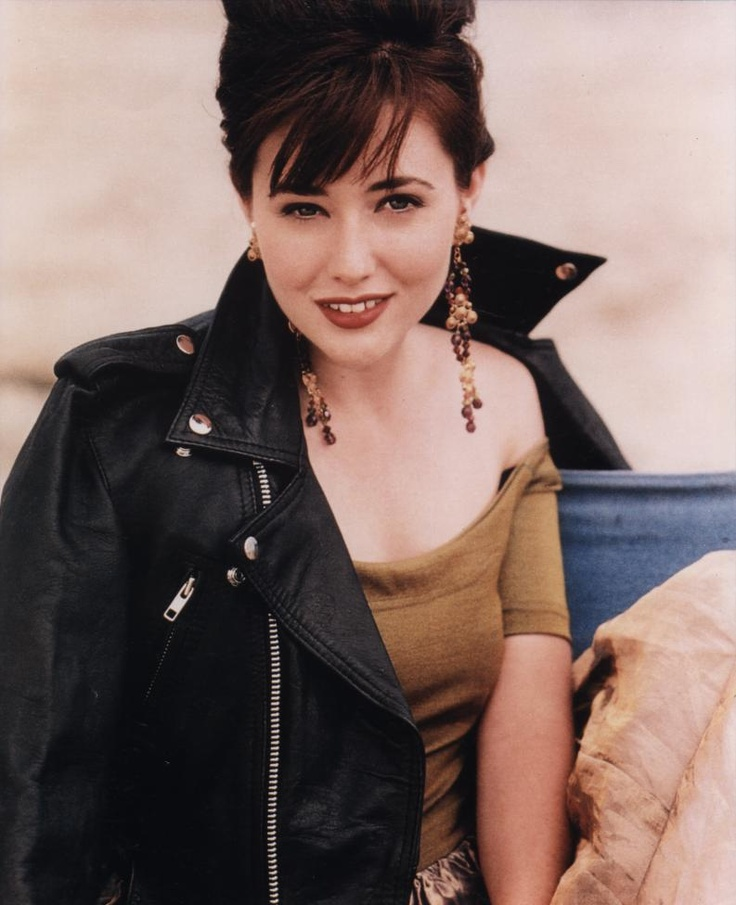 Shannen Doherty as Brenda Walsh - Beverly Hills, 90210