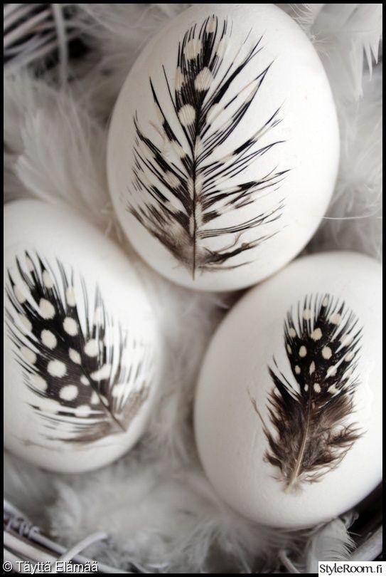 diy,pääsiäinen,pääsiäismunat,höyhen,pääsiäismuna,Tee itse - DIY,pääsiäisaskartelu