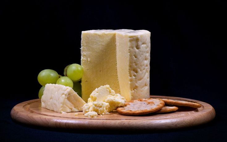 Wensleydale cheese is thought to have been first made centuries ago by French monks from the Roquefort region who had setted in the North Yorkshire area of Wensleydale. It's a local tradition to eat it with apple pie.