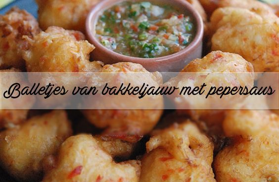 Heerlijk als snack, als hapje op een feestje óf 'gewoon' bij het avondeten. Deze balletjes van bakkeljauw (gezouten vis) zitten boordevol smaak. Jammie!
