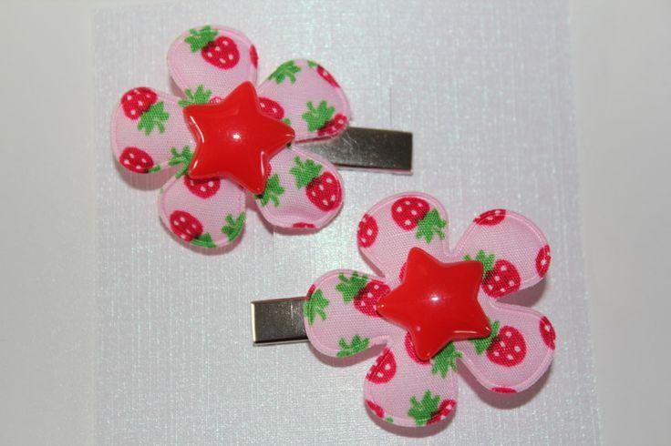 alligator clipjes 3 cm groen met bloem applcatie aarbeitjes en ster rood www.pippikokel.nl