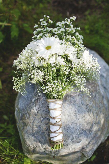 Schöner weißer Blumenstrauß #Hochzeit #rustikal #chic #flowers #white    – Wedding flowers white