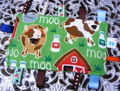 Baby & Toddler Tactile Comfort Bankets - Green with 'Moo' Cows