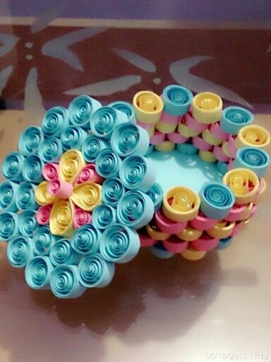 Jewelry box made with paper quilling