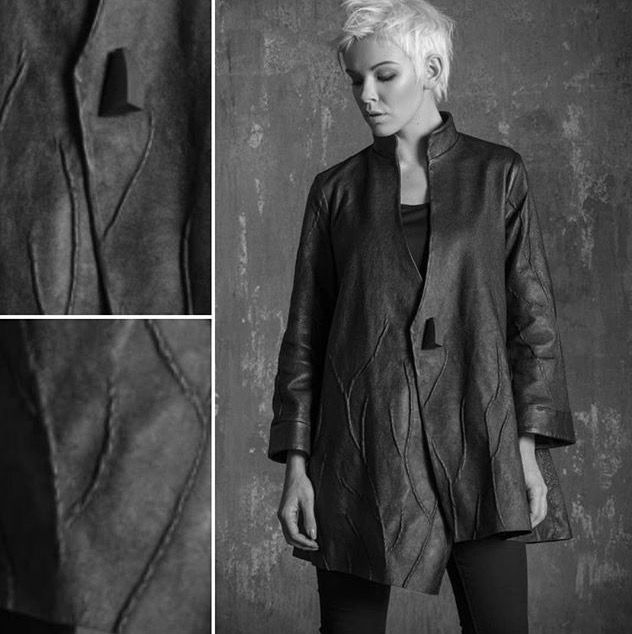 Abbigliamento // Giacca svasata in pelle accoppiata con Jersey che riproduce le venature delle foglieFlared leather jacket paired with jersey, which reproduces the veins of the leaves #coutū #newbrand #newcollection #leather #leatherjacket #photo #foto #fashion #moda #fashionstyle #luxury #luxurystyle #inspiration #nature #shooting #buyer #boutique @francescavaccaro27 @claudio_cutuli Website: www.coutucollection.com for information: info@coutucollection.com
