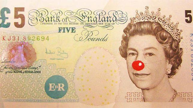 5 Pound Bill with Red Nose, de Hans Peter Feldman. De Projecte SD, Barcelona.