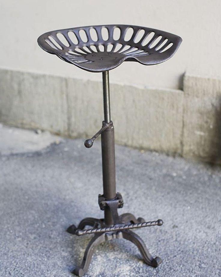 Hej. Nu kör vi en efterfrågad kampanj på våran populära traktorstol. 500 kr rabatt/ stol. Kampanjen gäller tom.18/6 eller så långt lagret räcker. http://www.uninterior.se/…/mobl…/industritraktor-stol-1.html. #visitostersund #hippastebutiken #uninterior #inredningmedattityd #hytteliv #industristil #traktorstol #industristil #stuginspiration #steampunk #interiordesign #storgatan42ösd #vintage #vårnytt #takplåt #sommarfint