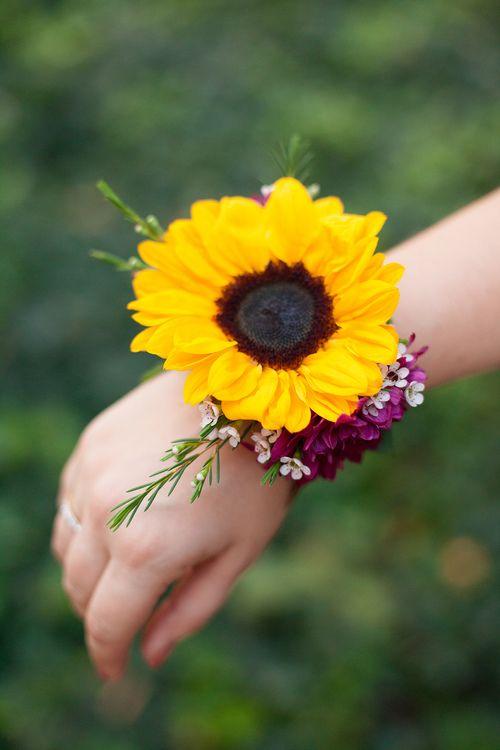 Sunflower Corsage #wedding #sunflower #corsageideas