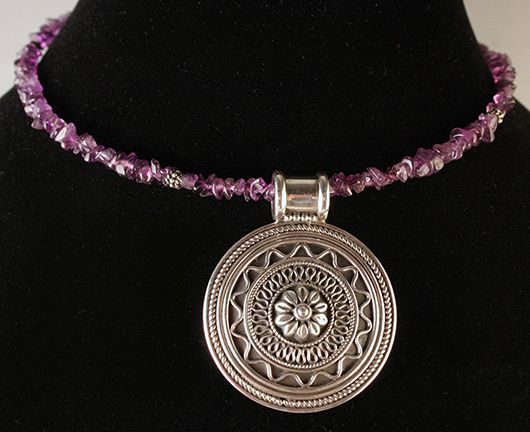 Memory wire choker with amethyst chips and beautiful sterling silver pendant