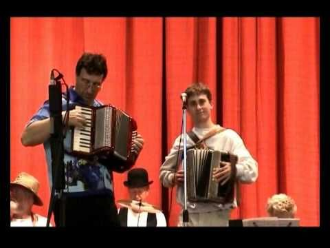 Beautiful QLD & A Gordon For Me - Heywood Accordion Duet