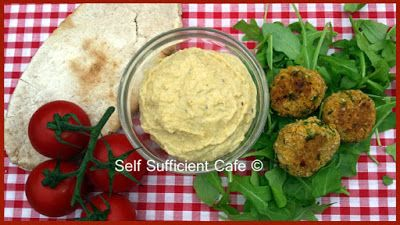 Self Sufficient Cafe: Home-made Houmous