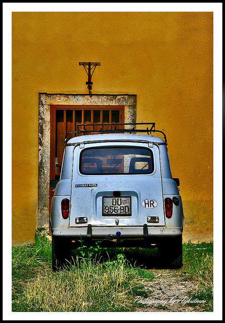 Crotia, Dubrovnik, Renault 5 /by Aykut İbrisim