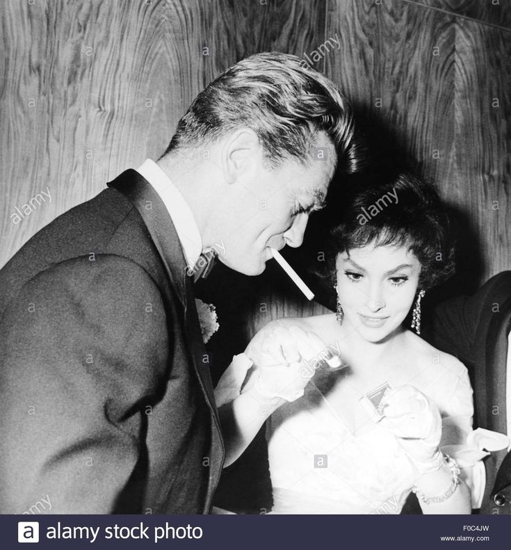 Download this stock image: Jean Marais, Gina Lollobrigida, 1958 - F0C4JW from Alamy's library of millions of high resolution stock photos, illustrations and vectors.