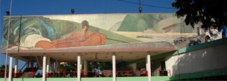 Vista frontal del Palacio Municipal, se expone el mural de Pablo O'Higgin Poza Rica   #pozarica #Pablo O'Higgin #Palacio Municipal #cultura