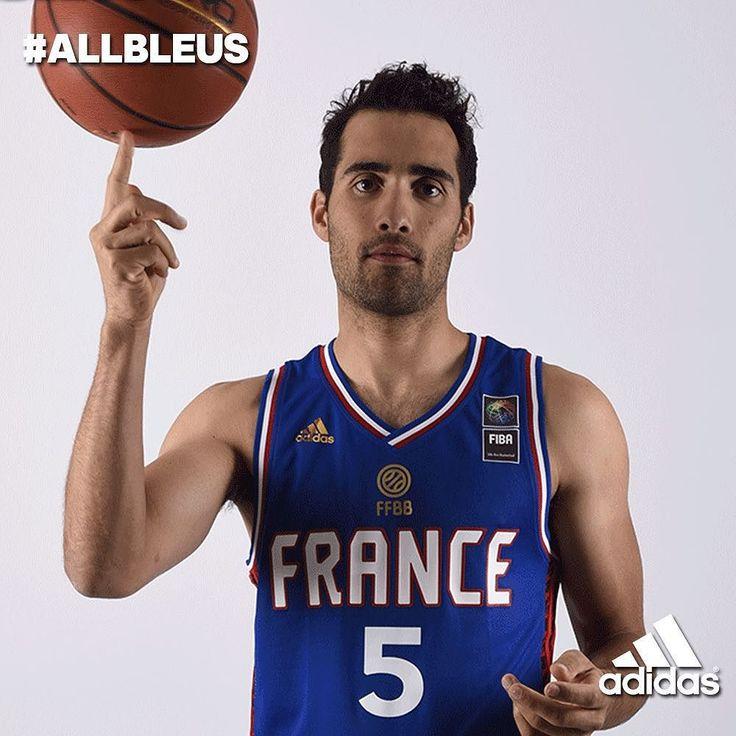 Que la France soit avec vous. Tous derrière les bleus ce soir ! @adidasfr #allbleus #eurobasket2015 by martinfourcade