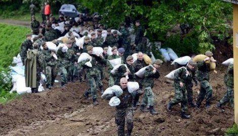 Pogledajte šta su 6.000 dobrovoljaca i vojska uradili za jednu noć u Šapcu!