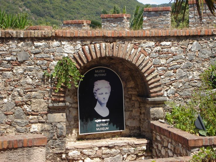 ‿✿⁀ I Albánie Butrint