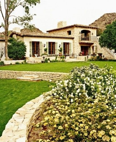 Tuscan style house... love it!  One day I will go here and stay in a house just like this...