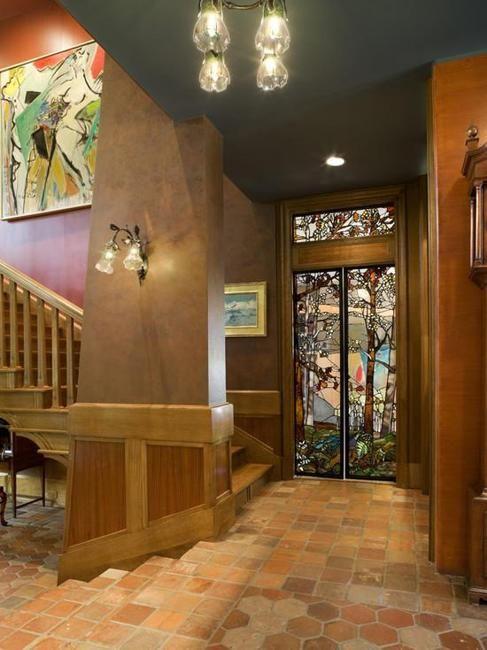 design de interiores com composições de vidro colorido