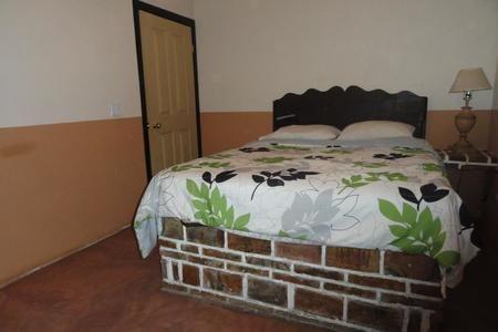 Depas en RENTA por dia o mensual con todos los servicios http://www.sanquintinm2.com/property/73193-departamento-en-mexico-ensenada-baja-california-camalu