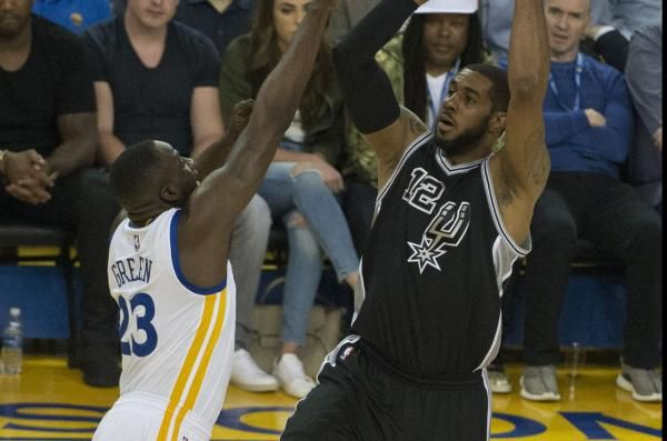 San Antonio Spurs forward LaMarcus Aldridge was cleared to resume all basketball activities after missing two games because of a minor…