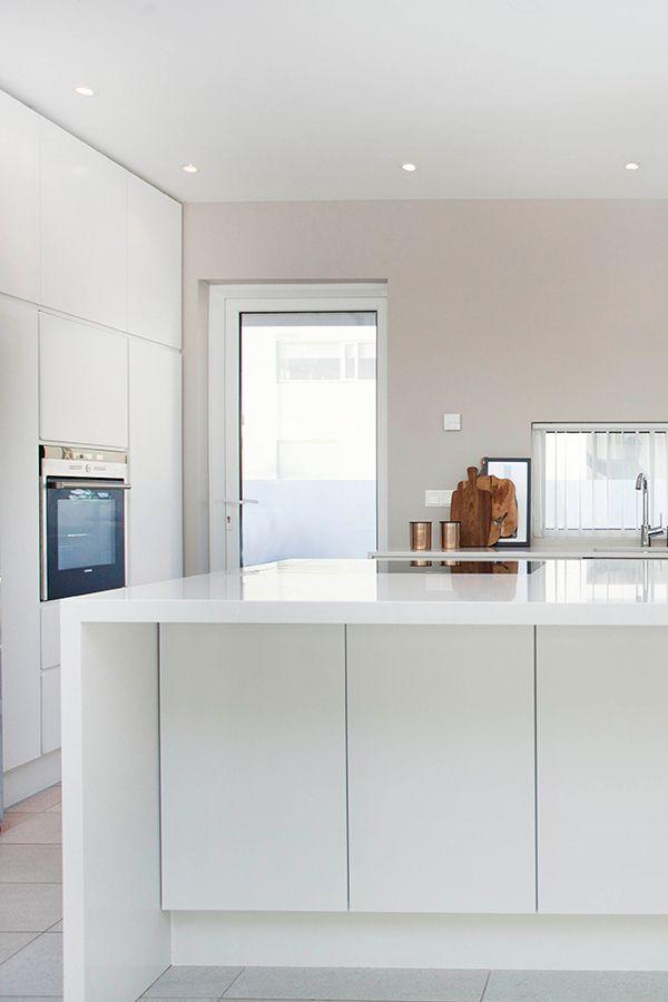 Download Wallpaper Used White Kitchen Island