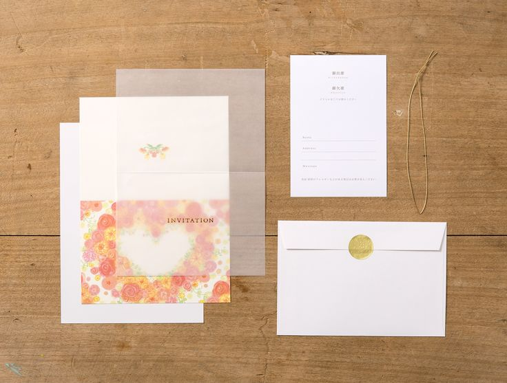 【irodori 招待状-作家きよりんご】作家の持ち味を活かした全面イラストの招待状。 半透明の紙に箔押しされた文字がエレガントです。 シンプルな仕様なのでどんなコーディネートでも マッチする、お使いいただきやすいタイプです。