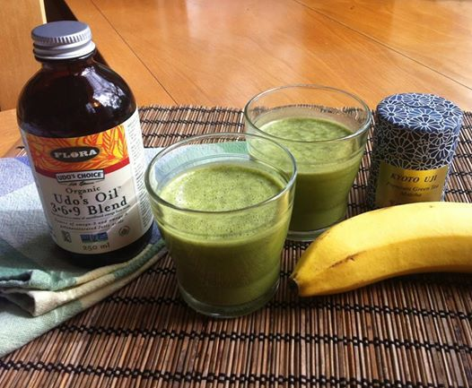 Banana Matcha Udo's Oil Smoothie  1 banana 1-2 tsp of green tea powder 2 tbsp of Udo's Oil 3, 6, 9 Blend 1 cup almond milk (or water, milk, soy milk, etc) 2 ice cubes bunch of spinach leaves Blend until smooth. Serves 1-2.
