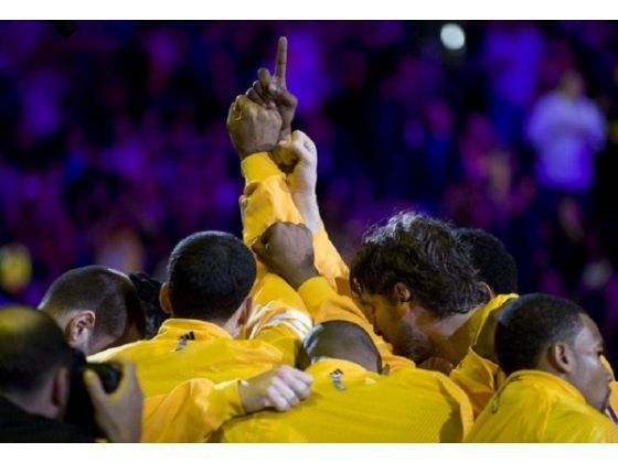 Lakers' roster: Who's staying, who's going? http://www.ocregister.com/articles/lakers-356504-roster-season.html?pic=1#
