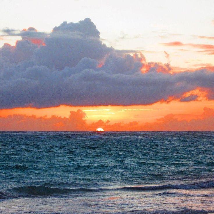 Good morning! Sunrises on the beach are the best right! #cuba #beach #sunrise