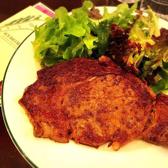美味しいステーキ ごちそうになりました!😊🙏 今日も胃袋が男子高校生並みでございました!😂 #Tokyo #Roppongi  _ #Japan #東京 #日本 #港区 #六本木 #アークヒルズ #海外生活 #マーケティング #撮影 #一時帰国 #夏休み #日本っていいね #楽しい #楽しい時間 #arkhills #tvasahi #テレビ朝日 #lunchmeeting #steak #美味しい #オーバカナル #auxbacchanales #肉 #お肉 #ビーフ #beef #レストラン #東京カフェ