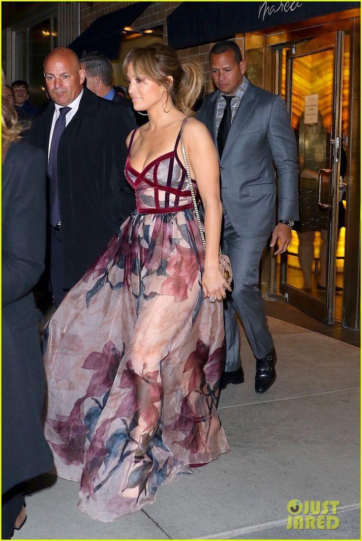 Jennifer Lopez & Alex Rodriguez Have a Fancy Dinner Date!   jennifer lopez alex rodriguez sunday night dinner date 02 - Photo