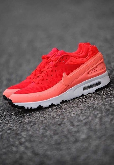 Nike Air Classic BW: Red/Pink/White
