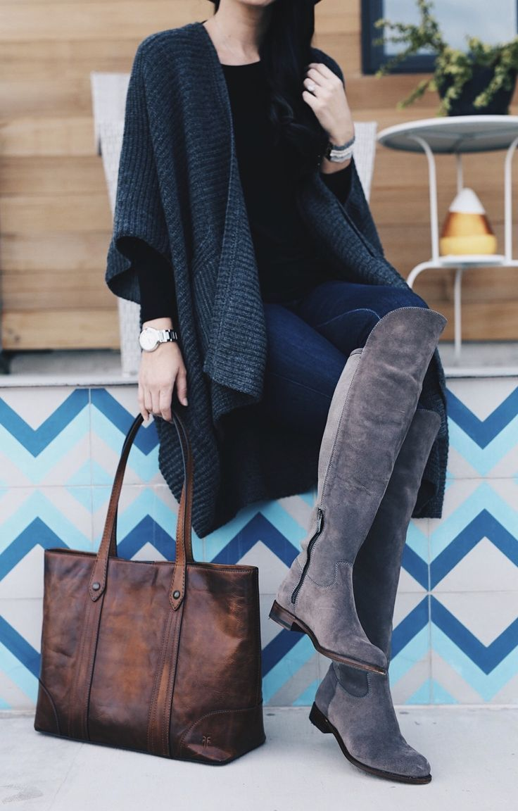 DTKAustin shares how to pull of darker hues in the Fall/Winter and still be able to show off detailed accessories. Frye Tote, Ariat OTK Boots, Boohoo Cardigan | fall fashion tips | fall outfit ideas | fall style tips | what to wear for fall | cool weather fashion | fashion for fall | style tips for fall | outfit ideas for fall || Dressed to Kill #falllayers #fallfashion