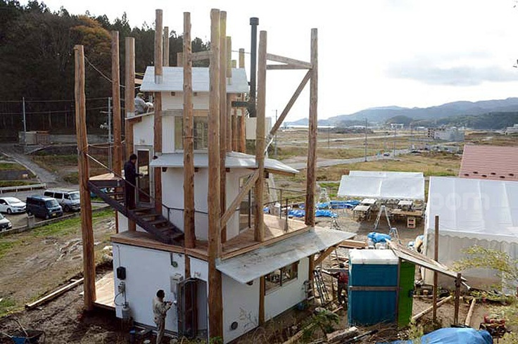 architects kumiko inui, akihisa hirata, commissioner toyo ito, architect sou fujimoto