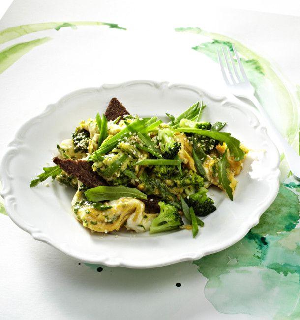 Unser beliebtes Rezept für Grünes Gemüse-Rührei und mehr als 55.000 weitere kostenlose Rezepte auf LECKER.de.