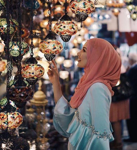 خلفيات بنات حاملة فانوس رمضان 2019 فوتوجرافر Beautiful Hijab Muslim Fashion Hijab Hijab