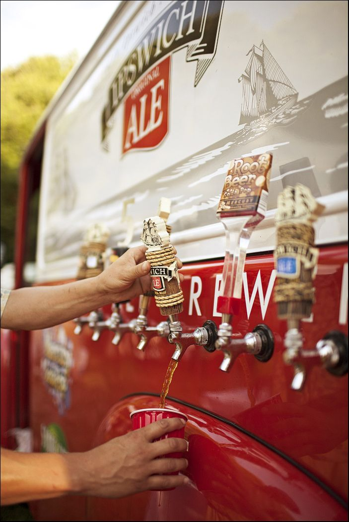 old fashioned brewery truck at the reception!!! yess!
